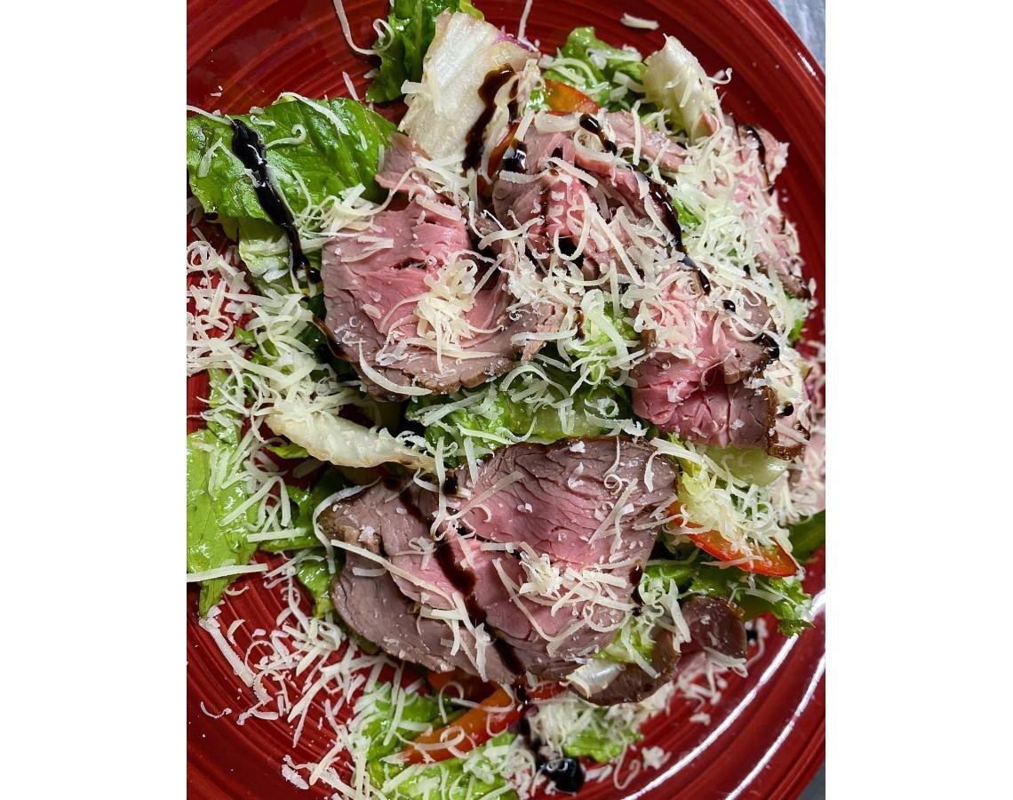 Салат с маринованным ростбифом